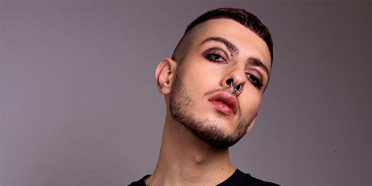 Я парень, а не трансгендер: знакомство с Геворгом, визажистом, который красится лучше любой девушки