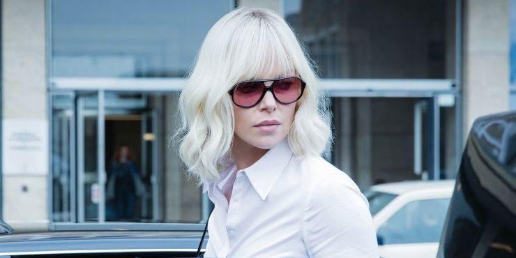 Взрывная блондинка: Как Шарлиз Терон стала самым стильным шпионом современности?