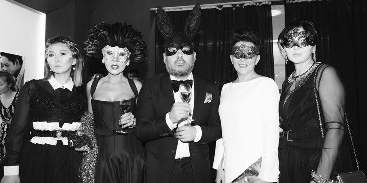 Черно-белая вечеринка Fashion Bureau