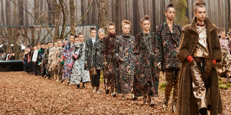 Зачарованный лес на показе Chanel осень-зима 2018/19