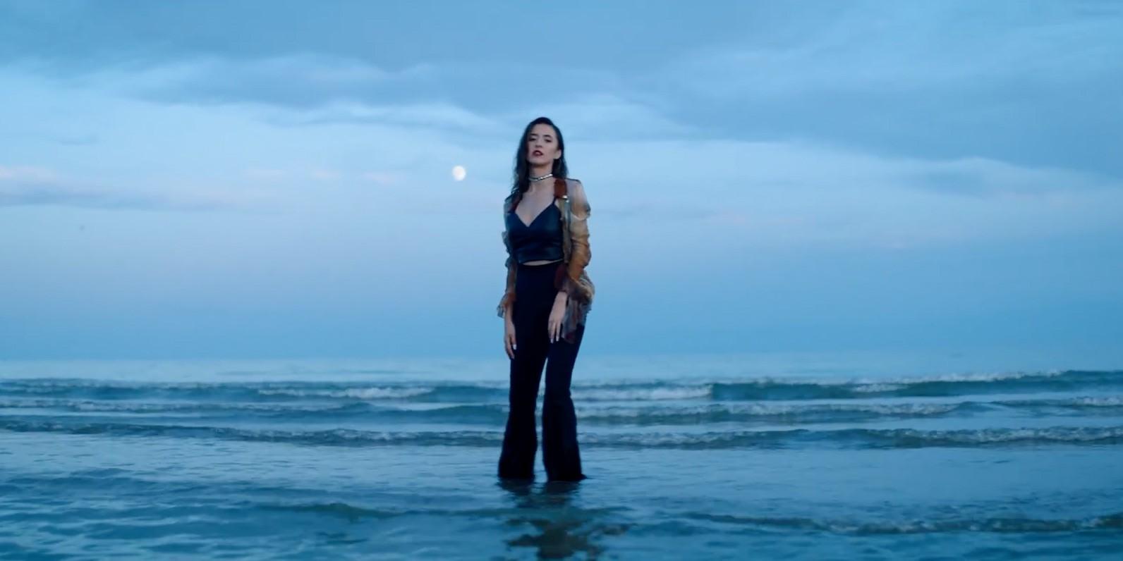 Казахстанская певица Райхана Мухлис выпустила дебютный клип