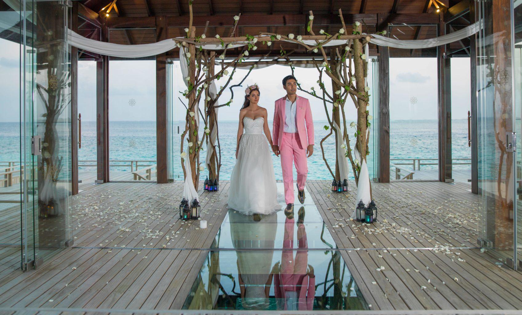 Романтическая часовня над водой в Jumeirah Vittaveli