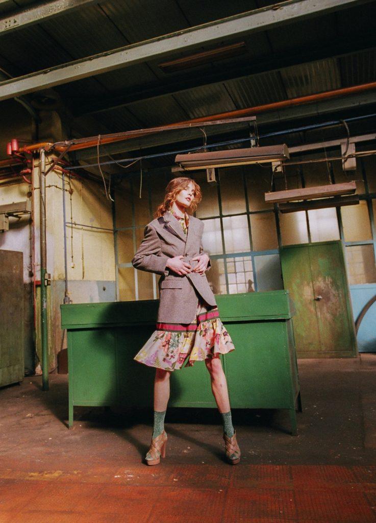 Девушки фабричные