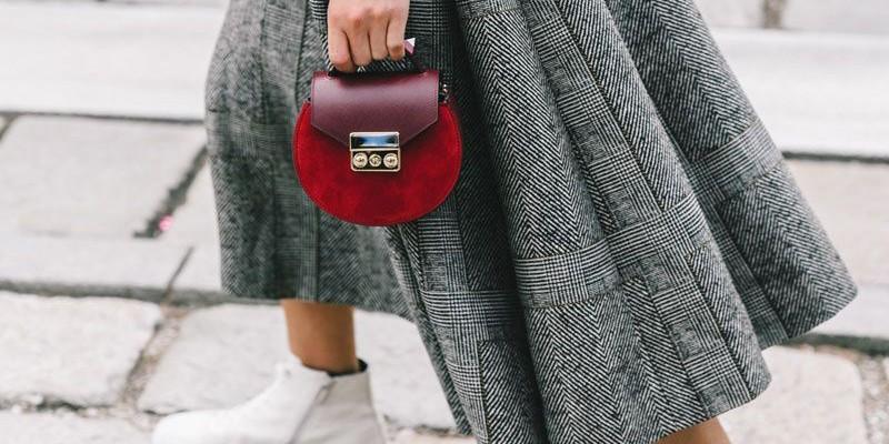 Мал, да удал: 10 миниатюрных сумок, в которые мы влюблены