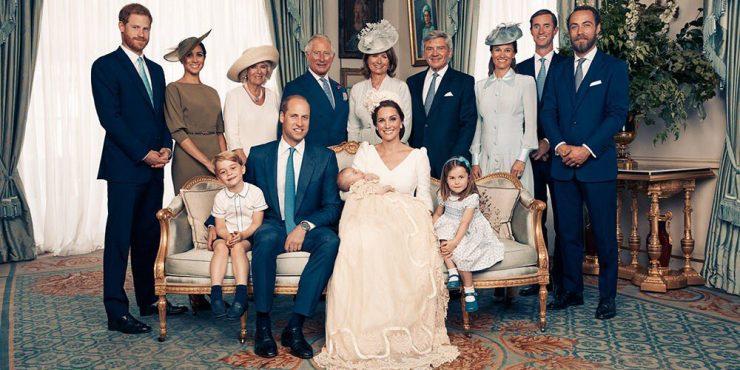 Официальные фотографии с крестин нового наследника британского престола