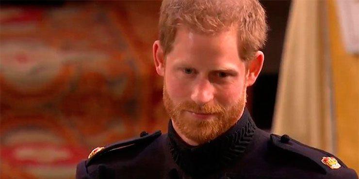 Принц Гарри пришел на свадьбу в дырявых ботинках