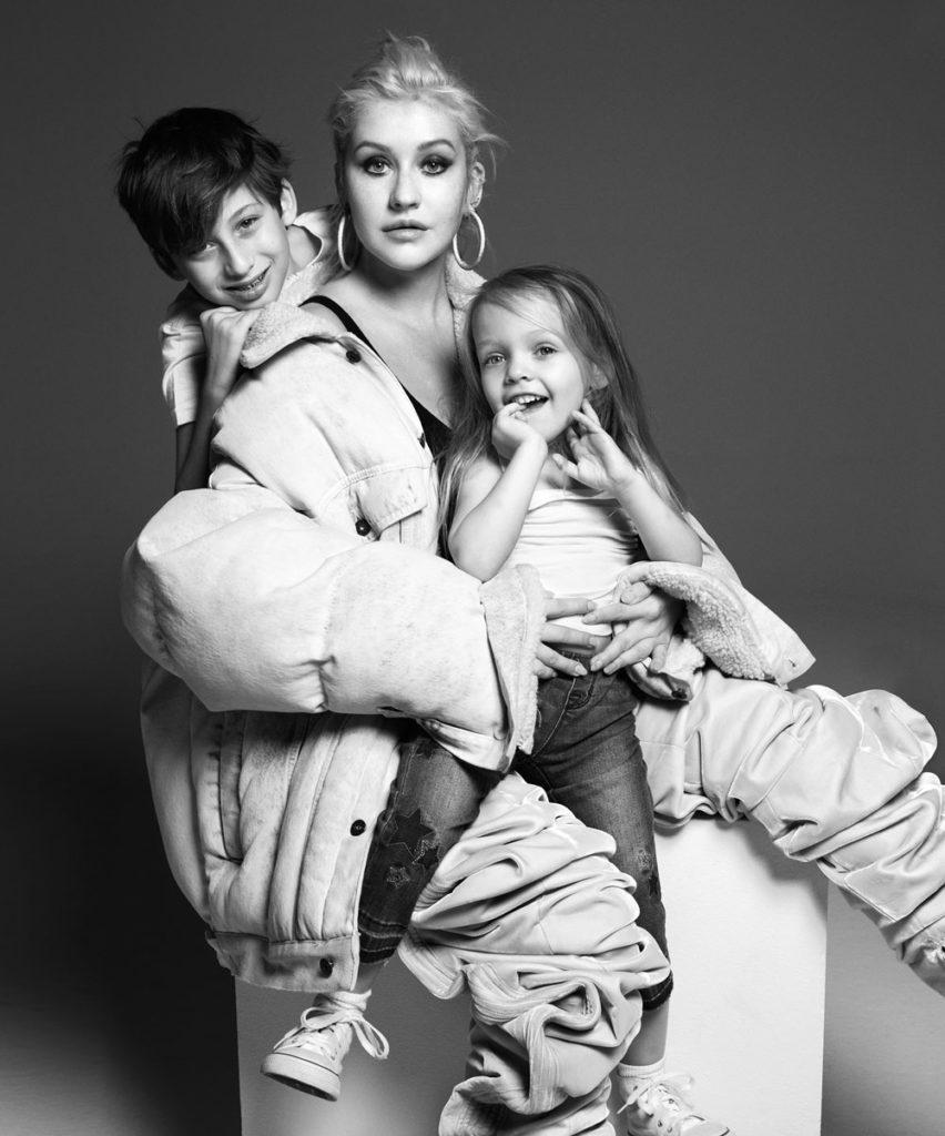 Кристина Агилера с детьми – иконы bazaar 2018