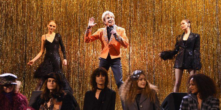 Атмосфера Студии 54 и выступление Барри Минилоу на показе Michael Kors Collection