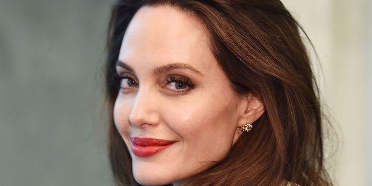 Анджелина Джоли может сыграть в фильме о супергероях