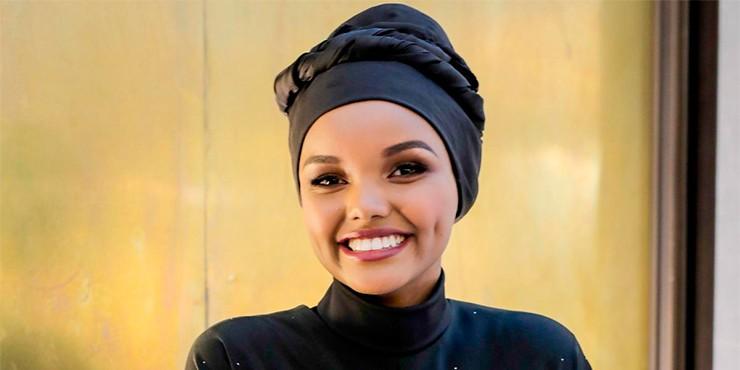 Халима Аден, модель в хиджабе, снялась в купальнике