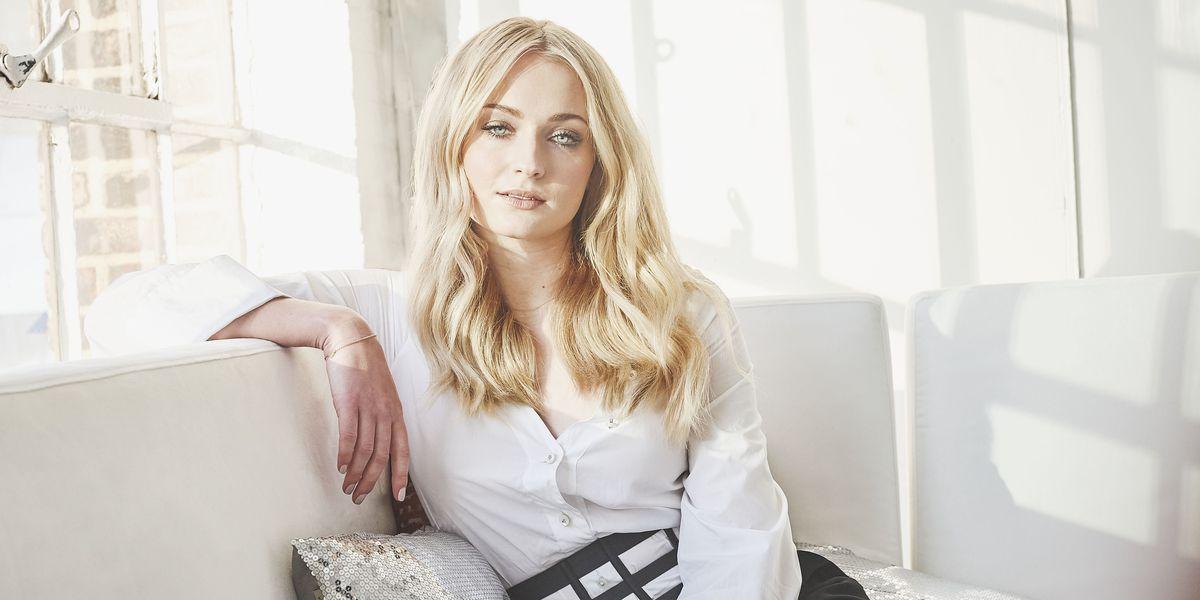 Софи Тернер вышла замуж в комбинезоне украинского бренда