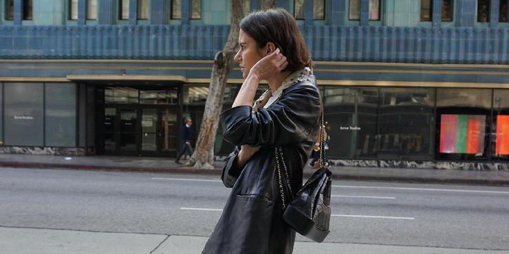 8 способов носить кожаную куртку как подружка рок-звезды