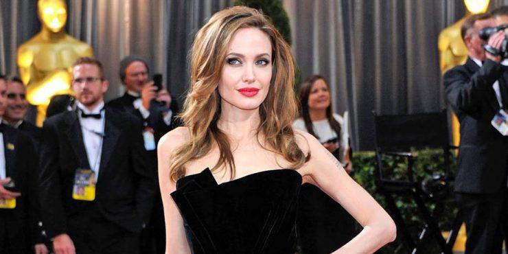 Нога Анджелины Джоли снова в деле!