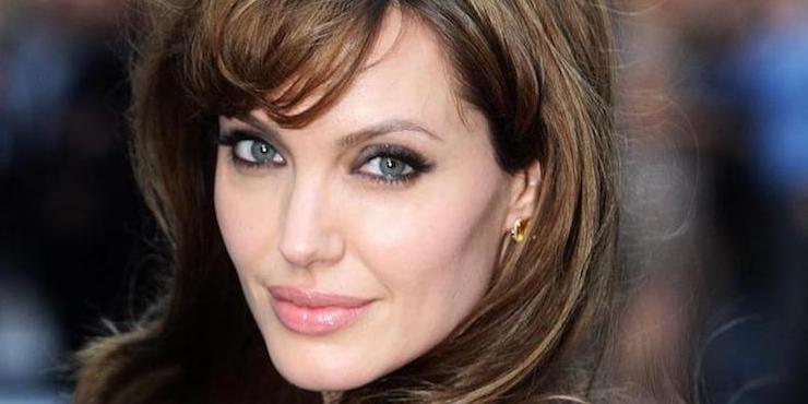 Бьюти-эволюция: как менялась внешность Анджелины Джоли