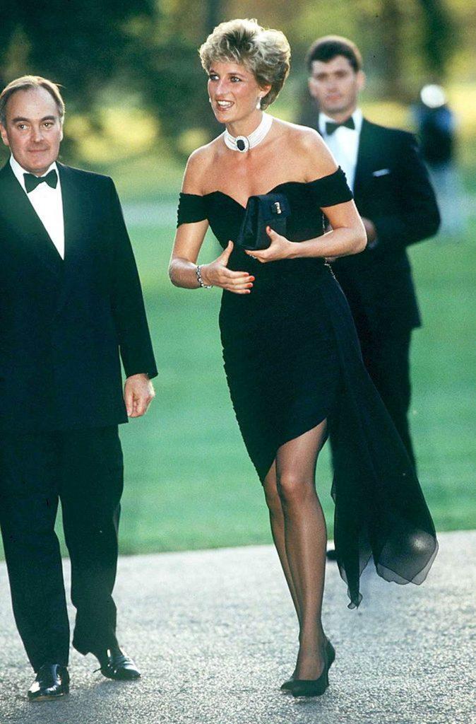 скандальные платья