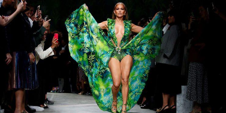 Почему зеленое платье Дженнифер Лопес появилось в вашей ленте Instagram?