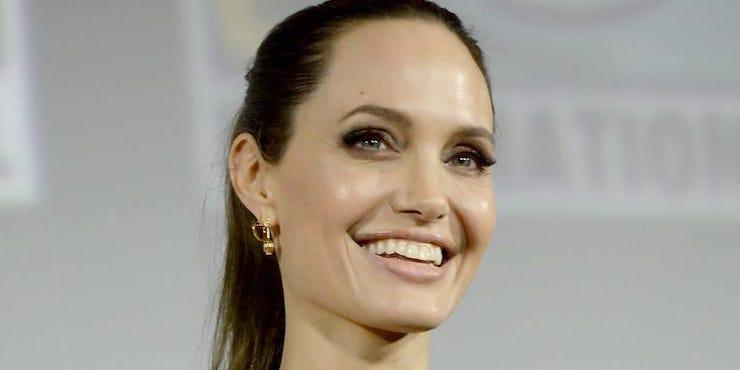 Анджелина Джоли стала блондинкой ради фильма «Вечные»
