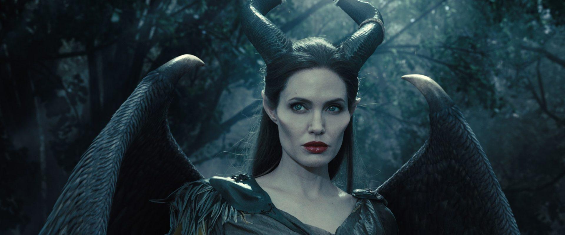 Малефисента: как макияж делает из красавицы ведьму? Видео