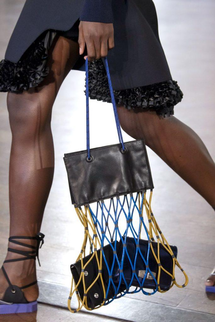 Модная обувь и аксессуары на лето 2020 с Недели моды в Лондоне