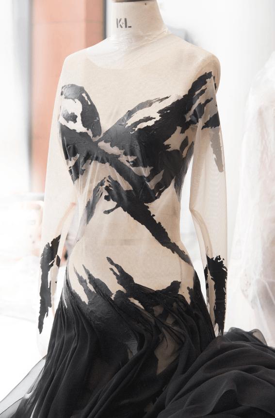 Малефисента 2: как создавался костюм Анджелины Джоли?