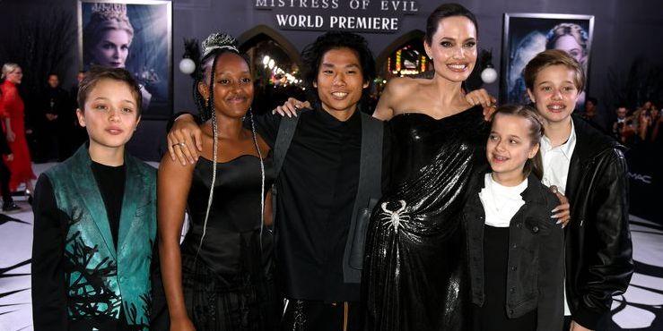 Малефисента: Анджелина Джоли пришла на премьеру с пятью детьми