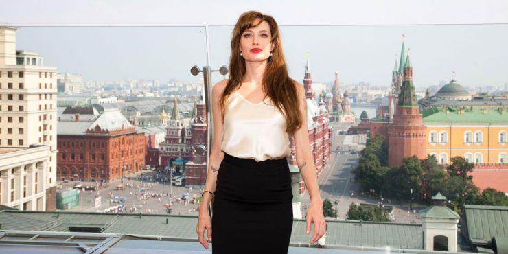Как выглядит костюм супергероини, которую сыграет Анджелина Джоли?