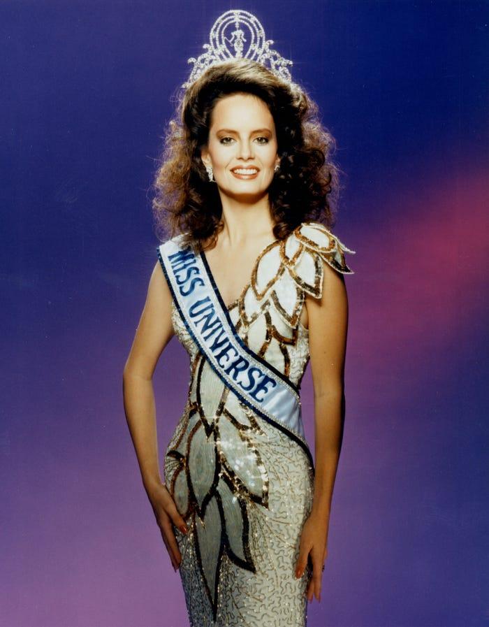 Мисс Вселенная: самые потрясающие наряды в истории конкурса