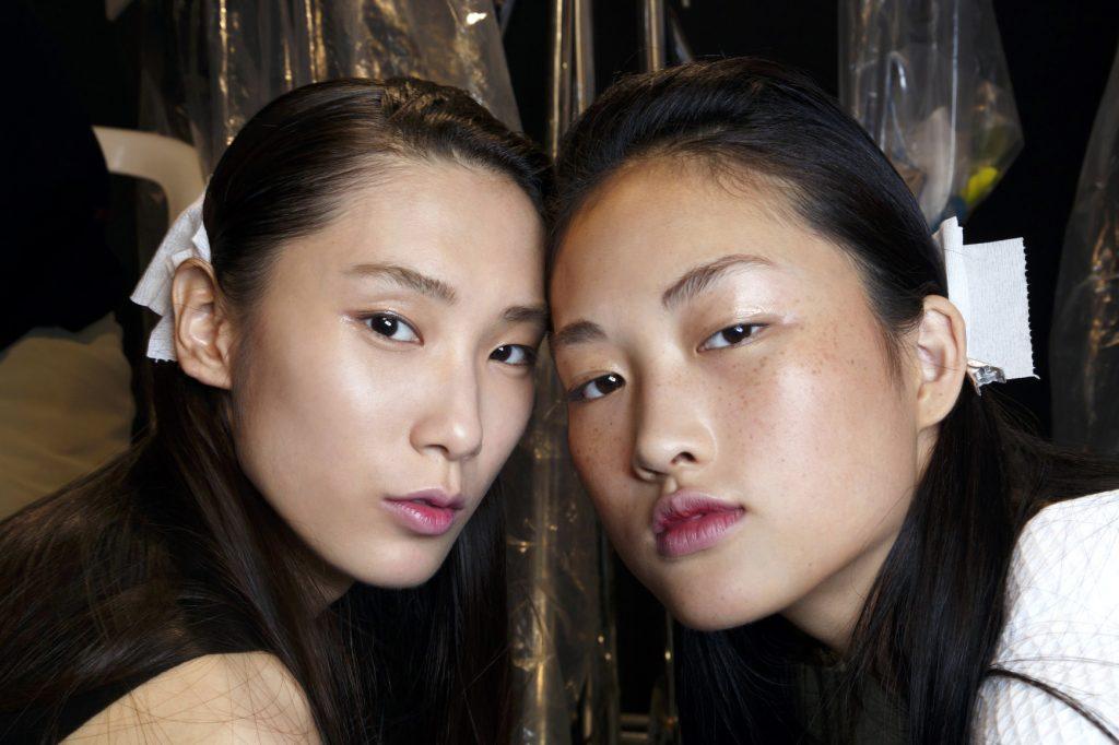 азиатки с карими глазами