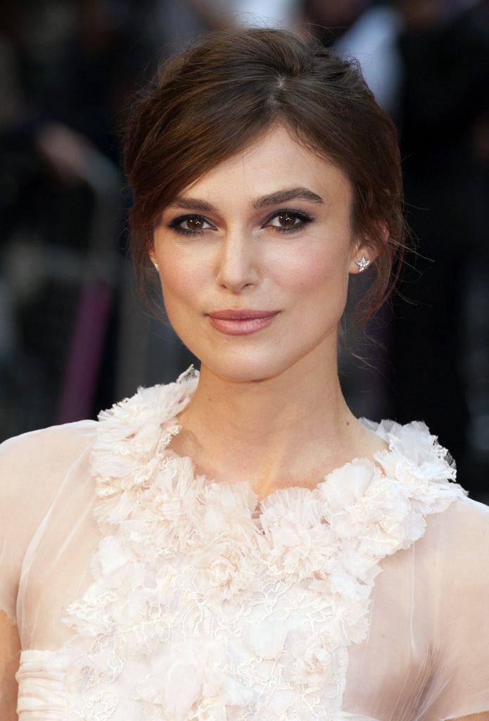 макияж для карих глаз: актриса кира найтли