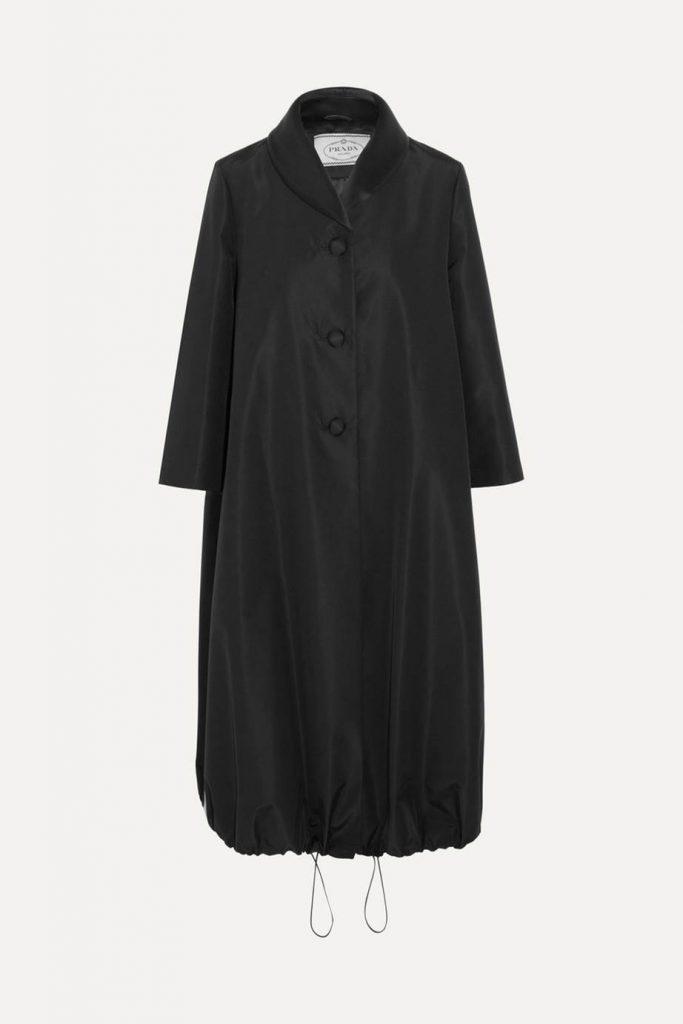 Какая одежда из шелка должна быть у каждой?