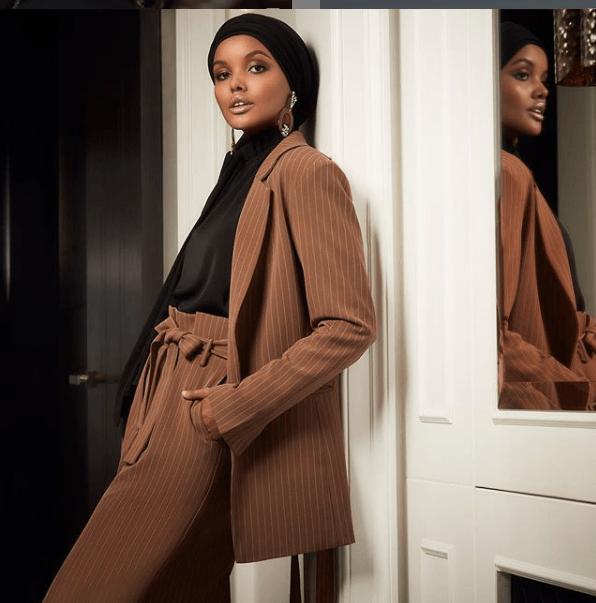 модель в хиджабе