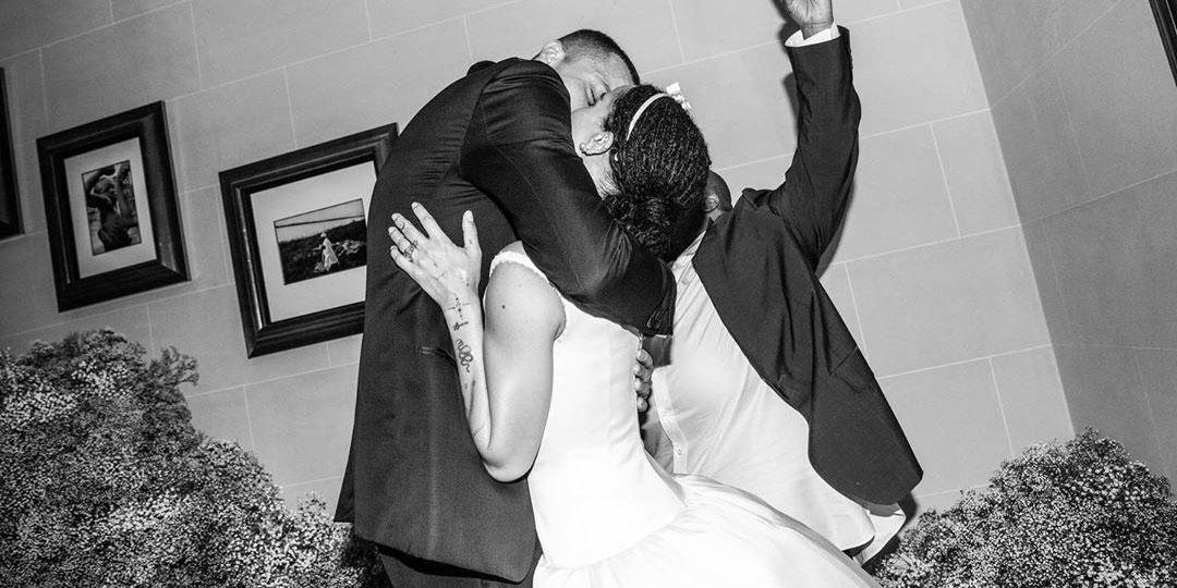 Зои Кравиц впервые показала свадебное платье