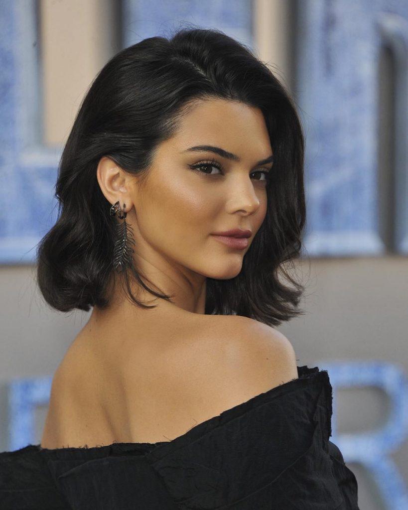 Как выглядит макияж «богатой девушки»