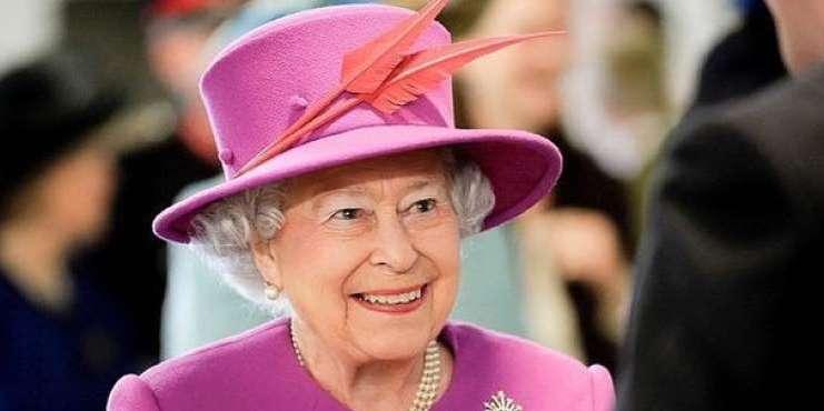 Елизавета II сделала новое заявление об уходе Гарри и Меган