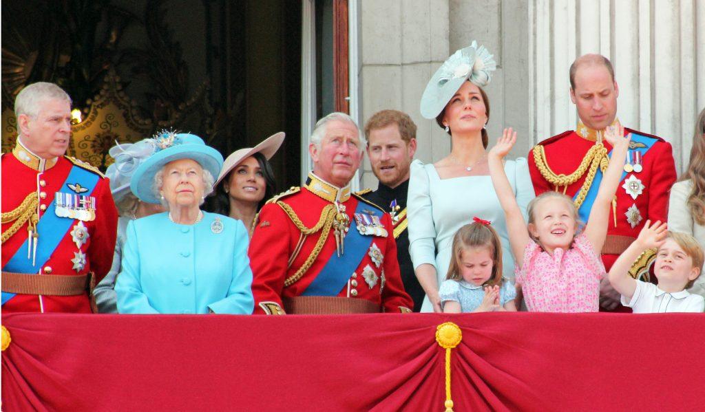 «Жалею, что не умер…» Отец Меган Маркл высказал претензии королевской семье