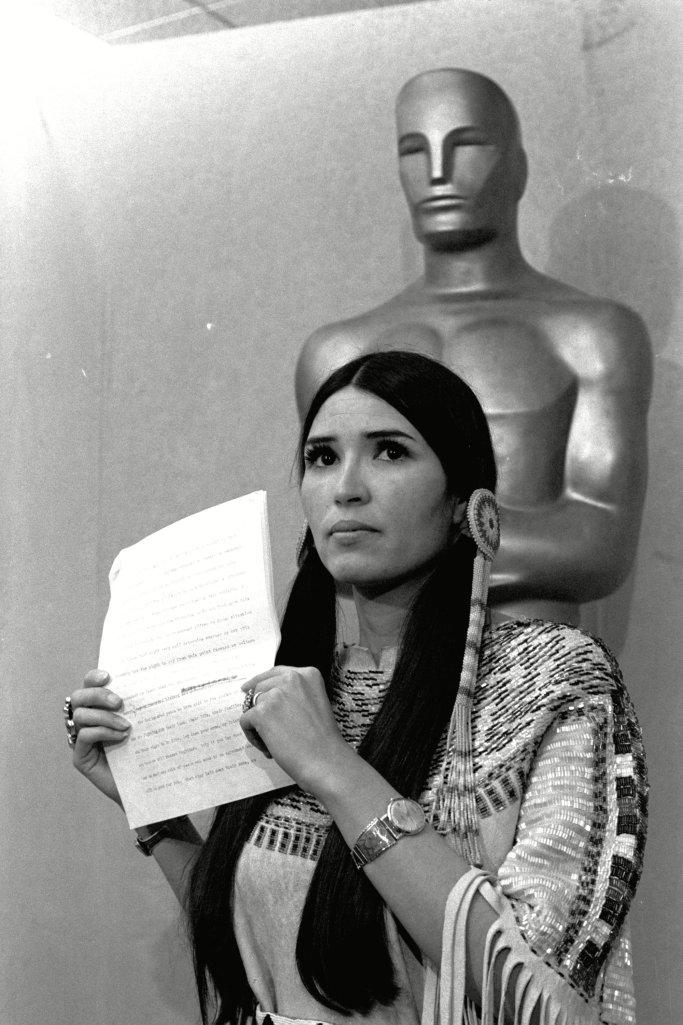 Скандалы премии «Оскар»: коренная американка