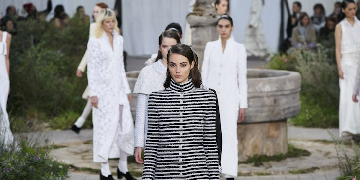 Chanel и Prada отложили свои шоу из-за Короновируса
