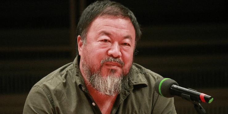 Художник Ай Вэй Вэй оскорбил итальянцев расисткой шуткой про коронавирус