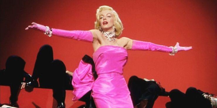 Как и когда в моду вошел розовый цвет?