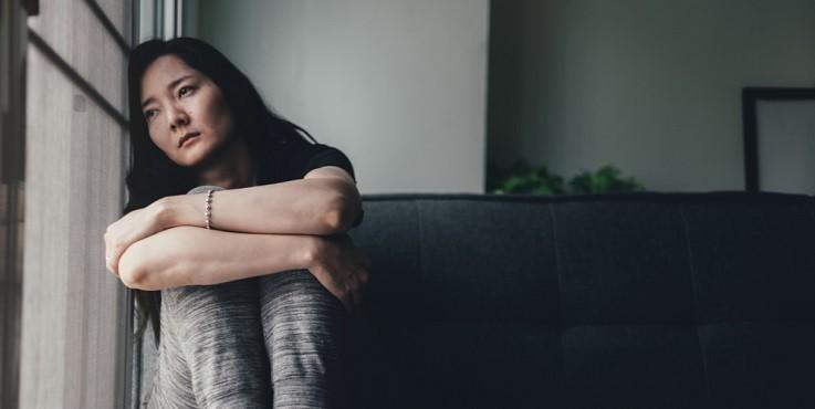Пережить карантин: как справиться с тревогой и одиночеством?