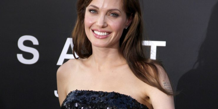 Звезда Анджелины Джоли стремительно гаснет?