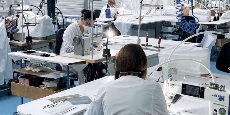 Dior вновь открыл свою фабрику – в помощь людям