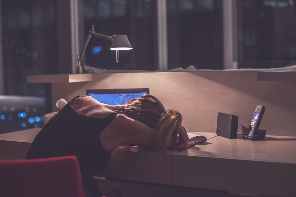 Почему так важно идти спать до полуночи
