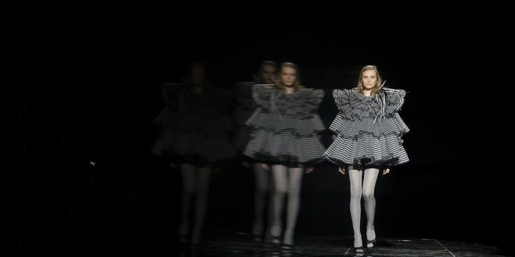 5 дизайнеров и их наряды для правильной социальной дистанции