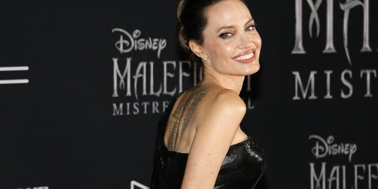 Анджелина Джоли рассказала о своей жизни во время карантина