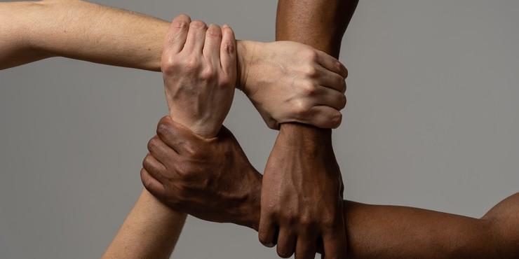 Привилегии белых людей: что это такое? 20 примеров из жизни