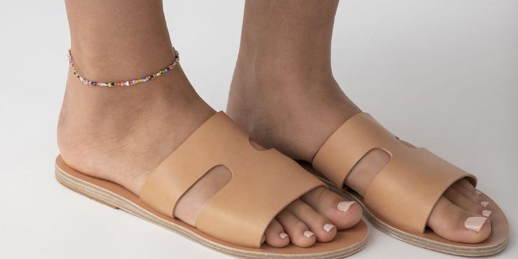 Браслеты на ногу, которые стоит носить этим летом