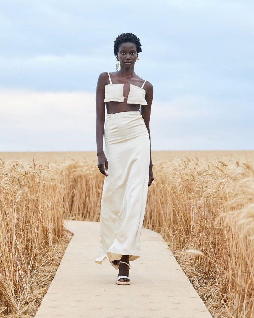 Jacquemus представили коллекцию L'Amour в пшеничном поле