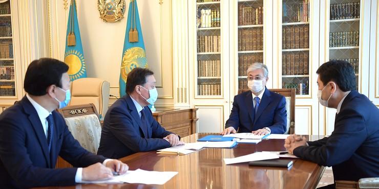 Токаев поручил продлить карантинные меры в Казахстане