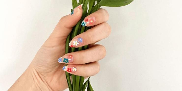 Идеи для летнего маникюра: фрукты, цветы и бабочки
